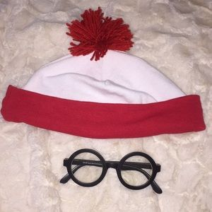 Waldo Halloween costume accessories
